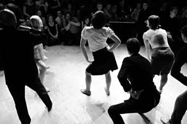 Vilniaus lindyhoperiai kviečiami šokti Gedimino prospekte