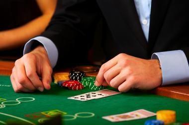 Didesni mokesčiai sugrąžins nelegalius kazino