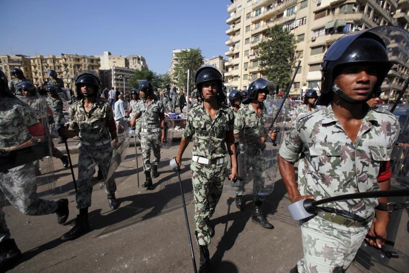 Egipto sostinėje buvo surengtas išpuolis prieš vidaus reikalų ministro kortežą