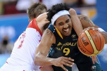 Rusijos krepšininkai pralaimėjo australams