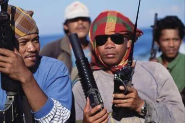Piratai įkaitais laiko 403 jūrininkus