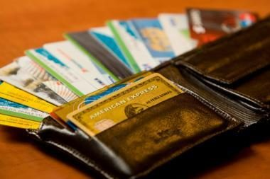 Prekybininkai nori, kad Konkurencijos taryba aiškintųsi, ar bankai nesudarę kartelio