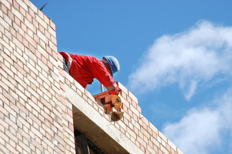 Statybvietėse pažeidimų mažiau, bet jie grėsmingi darbuotojams