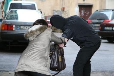 Praeiviai Klaipėdoje sulaikė rankinės vagį