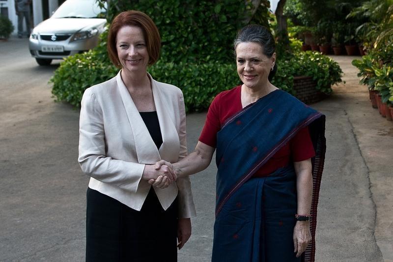 Australijos premjerė Indijoje pargriuvo tiesiai priešais kameras