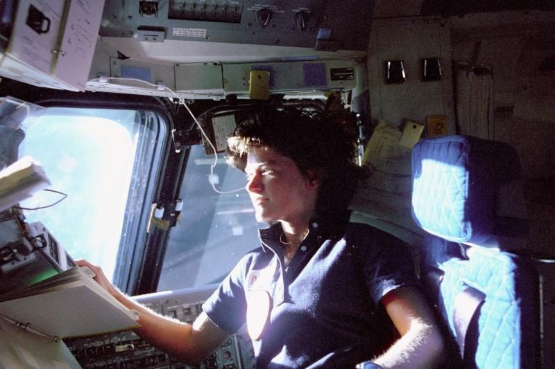 Mirė pirmoji į kosmosą pakilusi amerikietė Sally Ride
