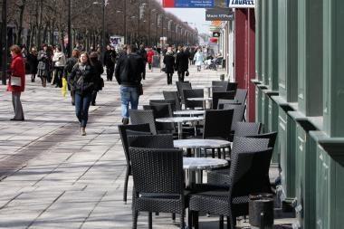 Kauno kavinės kraustosi į lauką