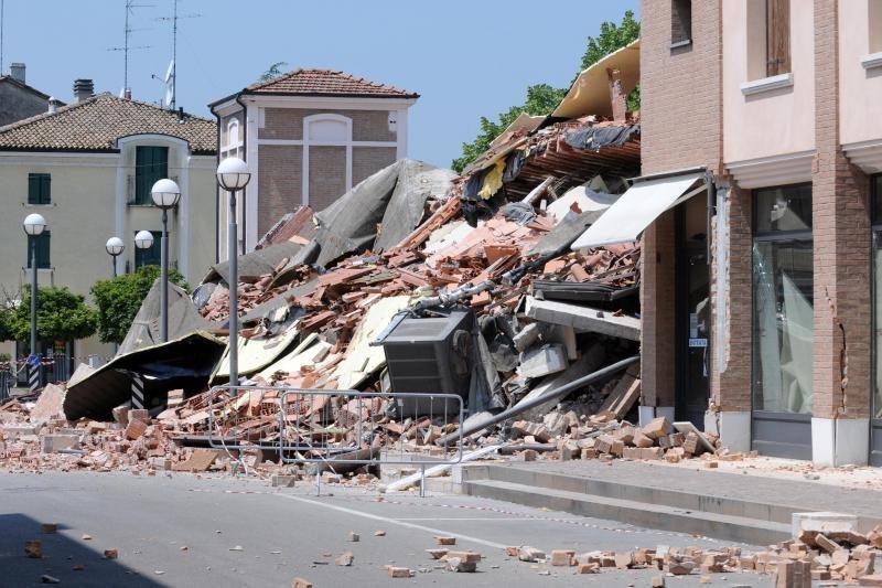 Italijoje per žemės drebėjimą žuvo 15 žmonių