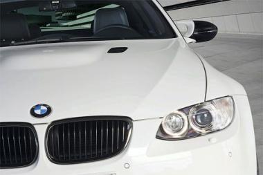BMW vadovai premijomis dalysis su darbuotojais