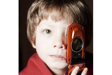 Mobilusis telefonas – grėsmingas vaikų žaislas