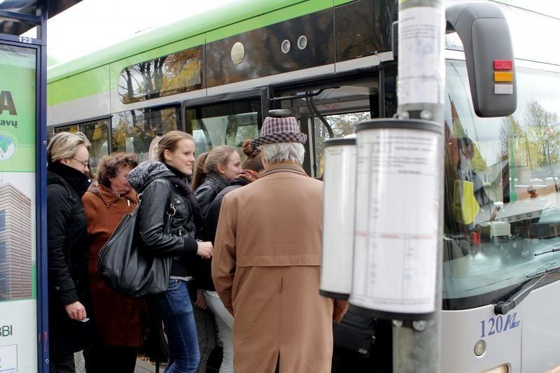 Greitieji autobusai populiarėja tarp klaipėdiečių