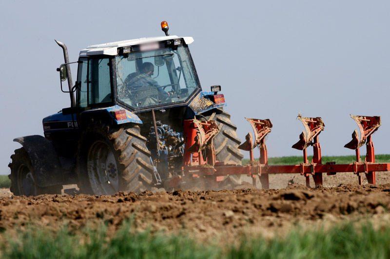 Kaišiadorietis jam patikėtą traktorių pridavė į metalo supirktuvę
