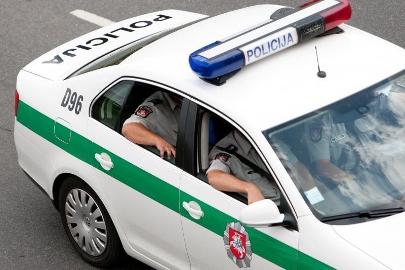 """Dėl """"Snore"""" užstrigusių milijonų algos policininkams nevėluos"""