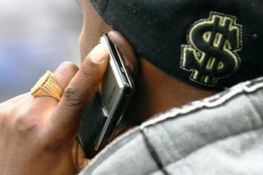 Girtas telefoną pametęs vyras apskundė du nekaltus žmones