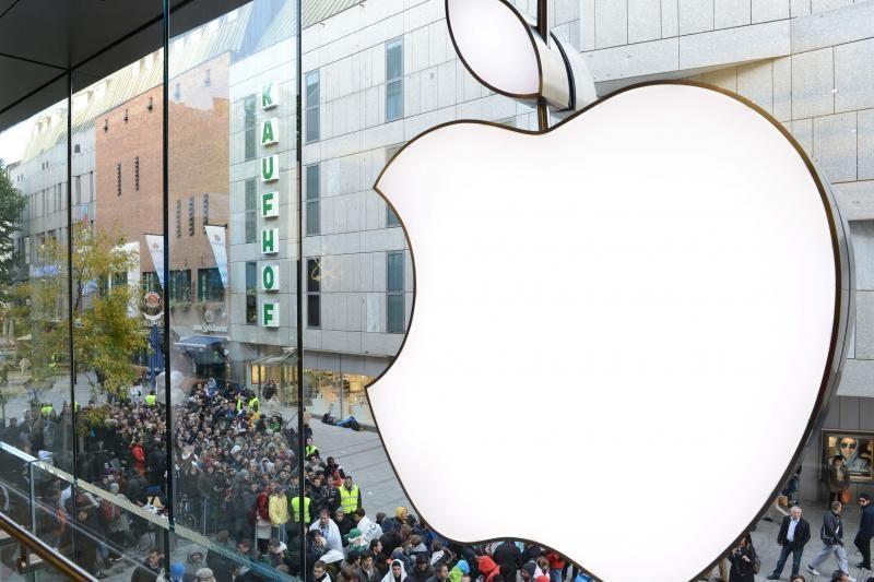 """Artėjant """"iPad mini"""" pristatymui, """"Apple"""" akcijos krito 10%"""