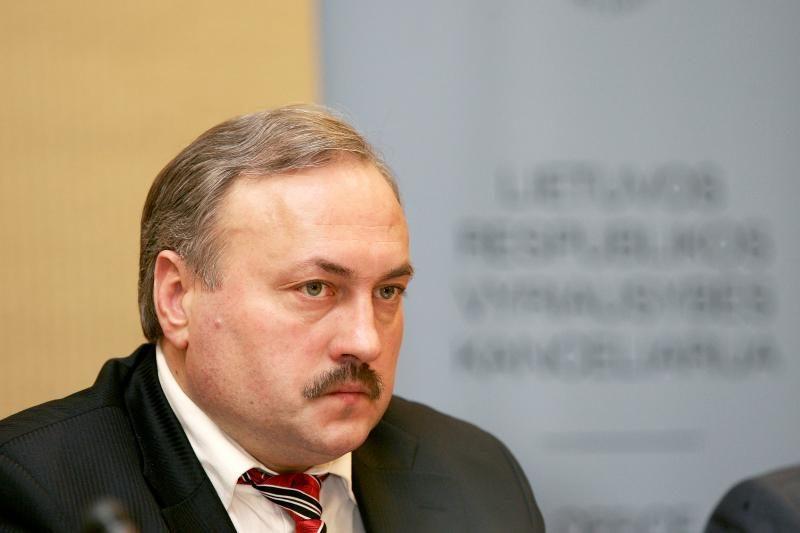 Teismas atnaujino iš Seimo kanclerio pareigų atleisto G. Vilkelio bylą