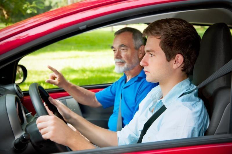 Kai kurie vairuotojai nesugeba įveikti vairavimo baimės
