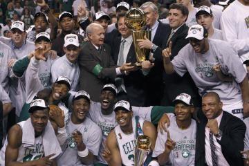 """NBA čempionais tapo """"Celtics"""" krepšininkai"""