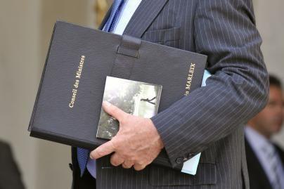 C.Sarkozy ministrams dovanojo po CD albumą