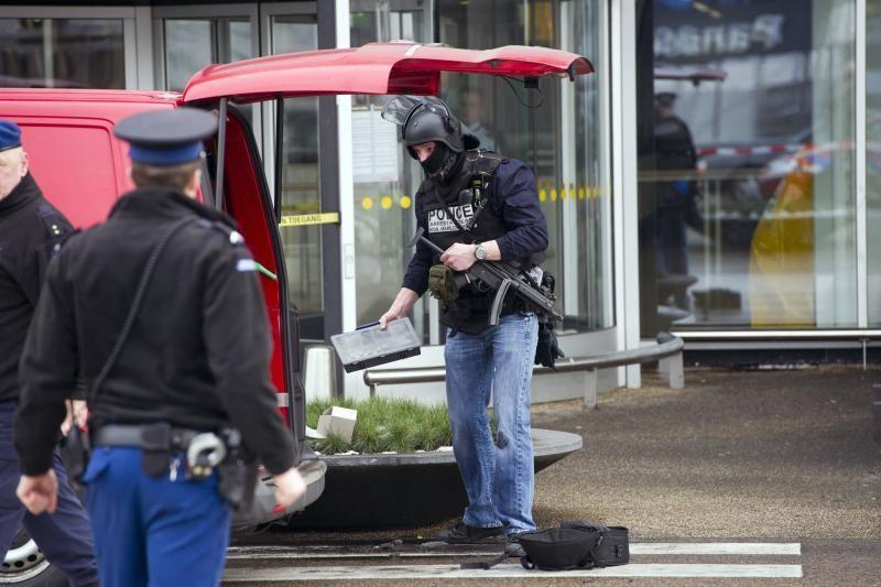 Policija suėmė įtariamąjį, kuris pranešė apie bombą oro uoste