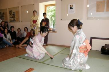 Gilinsis į japonų ir korėjiečių kultūrą