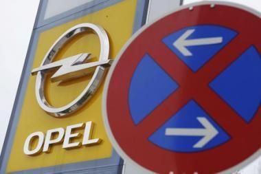 """GM atidėjo """"Opel"""" pardavimą iki lapkričio"""