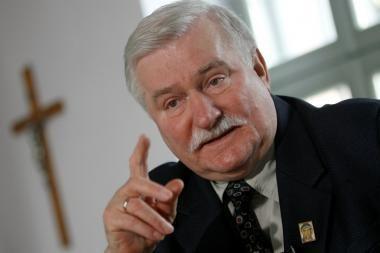 """L.Walesa kandidatą į prezidentus J.Kaczynskį pavadino """"nelaime"""""""