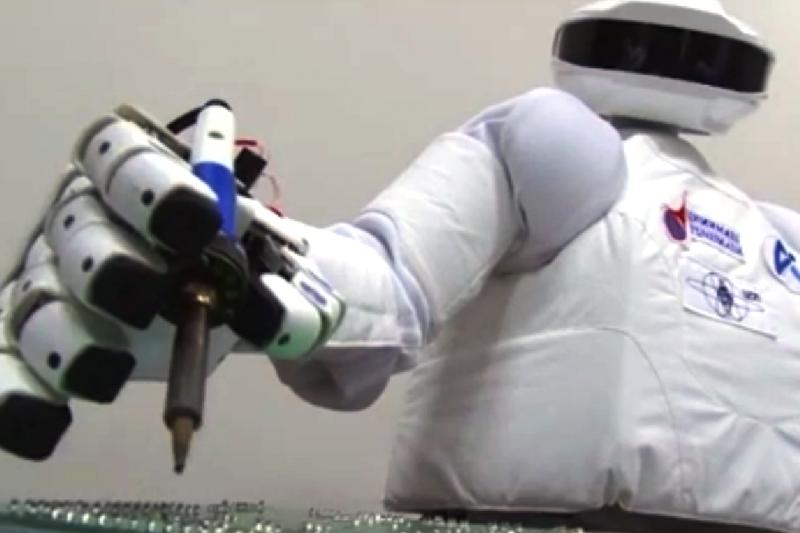 Geriausia dovana šiuolaikiniam vaikui – robotas?