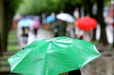 Girtuoklių gaudymas lietui lyjant