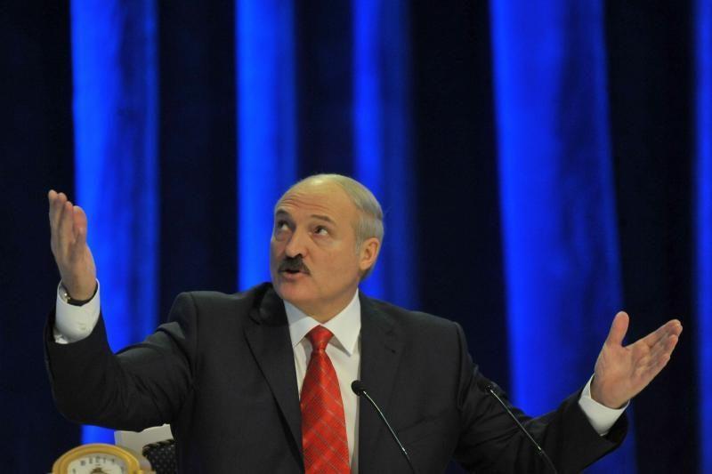 Aleksandras Lukašenka: geriau būti diktatoriumi nei gėjumi