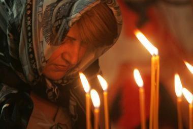 Krizę bandoma įveikti maldomis