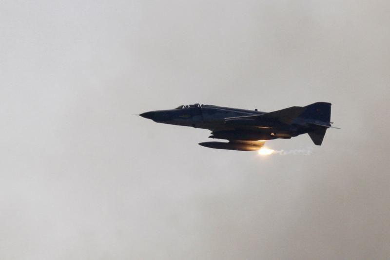 Turkų naikintuvą numušė Sirijos karinės pajėgos
