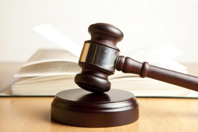 Atidėta bausmė verslininkui, terorizavusiam banko darbuotoją