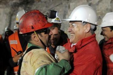 Čilėje iškelta 11 iš 33 požemyje įkalintų kalnakasių