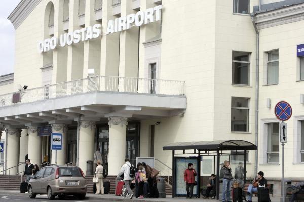 Oro uostas: atšaukta penktadalis visų planuotų skrydžių