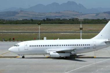 """""""Avia Solutions Group"""" įsigijo """"Boeing 737-300"""" lėktuvą"""