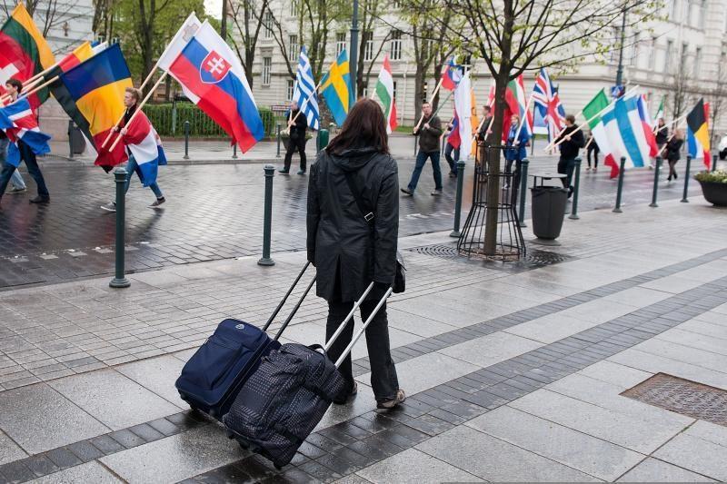 Taupantys britai pavasarį skatinami keliauti į Lietuvą