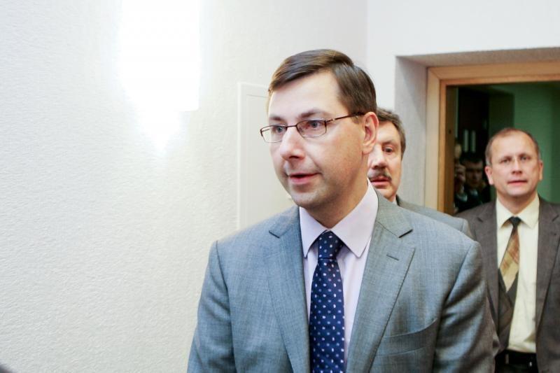 Opozicija reikalauja G.Steponavičiaus ir V.Stundžio atsistatydinimo
