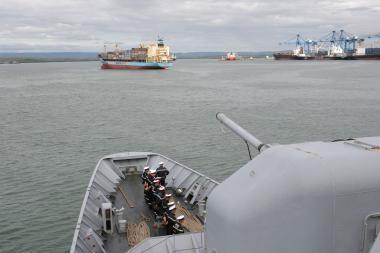 Piratai pagrobė pinigus ir vertingus daiktus iš Rusijos tanklaivio prie Nigerijos krantų