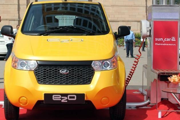 """Indijos automobilių gamintojas """"Mahindra"""" pristatė elektromobilį"""