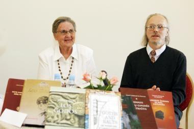 Klaipėdiečiai graibstė garsiosios tautietės knygas