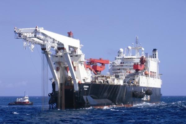 """""""Nord Stream"""": darbus pradės didžiausias pasaulyje vamzdynų tiesimo laivas"""