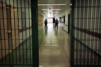 Nauji kalėjimai Lietuvoje bus pusiau arba visiškai privatūs