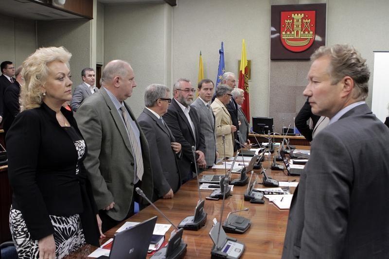 Siūlo neskubėti mažinti išmokų Klaipėdos miesto tarybos nariams