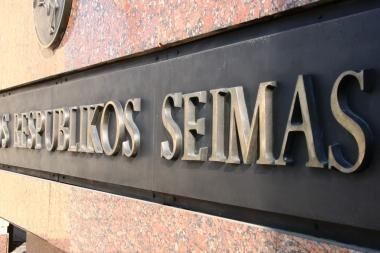 Nusišovė Seimo kanceliarijos darbuotojas