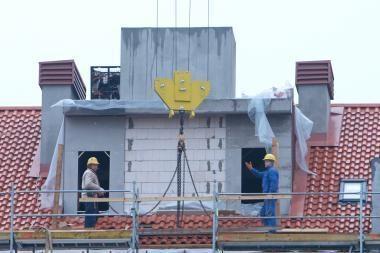 Statybos bendrovės vasarą tikisi atsitiesti