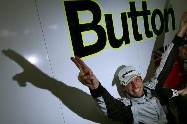 """J.Buttonas - naujasis """"Formulės-1"""" karalius"""