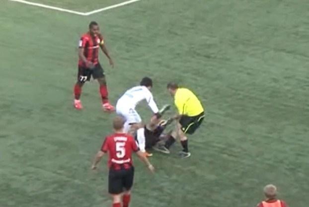 Rusijoje futbolo teisėjas kumščiais ir kojomis talžė žaidėją