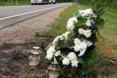 Kaune autobusas mirtinai sužalojo pusamžę moterį