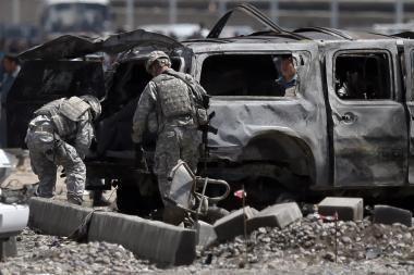 Talibai tęsia teroro kampaniją